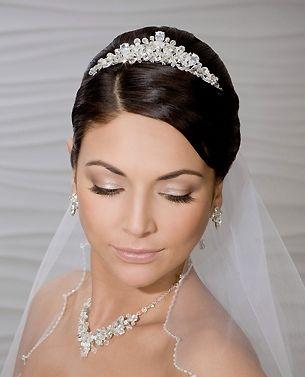 Has podido ver las tendencias de maquillaje para novias en 2016 con las que vas a poder escoger el look que mejor se adapta a tu personalidad y al estilo