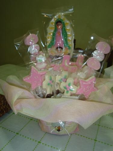 Pin bautizo grupos centros de mesa angelitos para imagui - Centro de mesa para comunion de nina ...