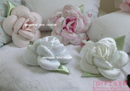 cojines de en forma de rosas