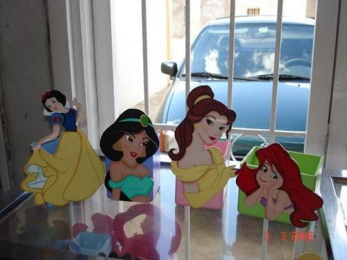 Imagen cotillones de princesa - grupos.