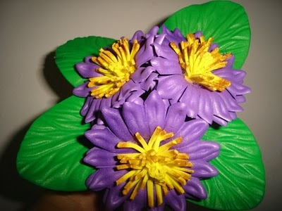 Imágenes de Foro de Manualidades > Flor crisantemo em goma eva foamy