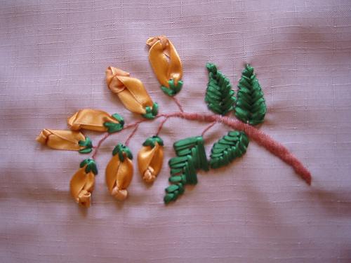 Bordado en cinta flores - Imagui