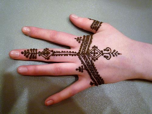 no todas las personas que respiran est n vivas tatuajes de henna. Black Bedroom Furniture Sets. Home Design Ideas