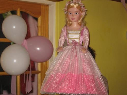 Piñata de princesa - Imagui